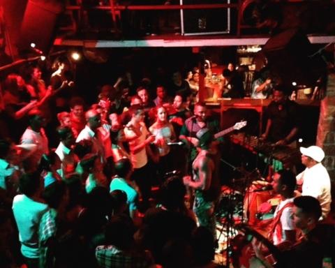 Kumbé Hip Rooftop Bar On Cali S Boulevard The Cali